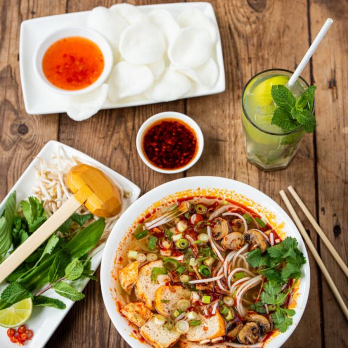 Student offers at Pho